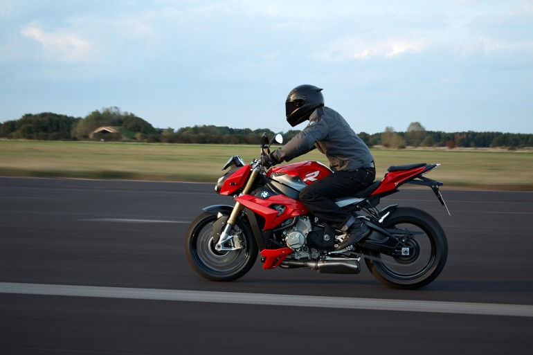 BMW S 1000 R in red